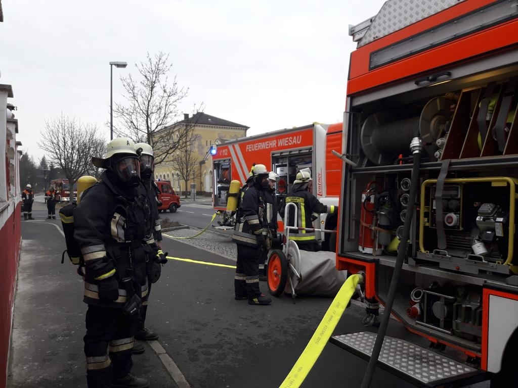 Rauchentwicklung im Gebäude, Person in Gefahr (B3)
