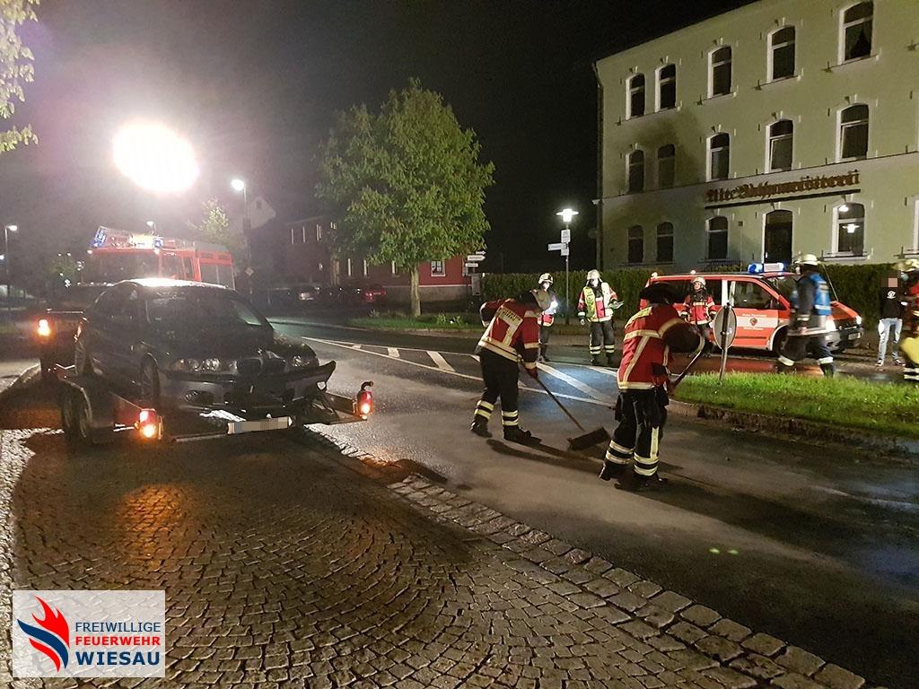 Fahrbahnreinigung nach Verkehrsunfall