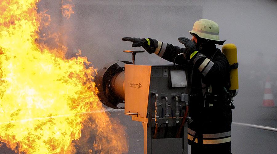 Feuerwehr-Wiesau-Branduebung.jpg