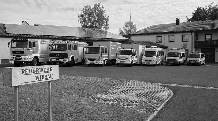 Feuerwehr-Wiesau-Fahrzeuge_SW.jpg