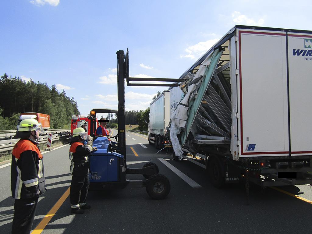 Verkehrsunfall mit Lkw